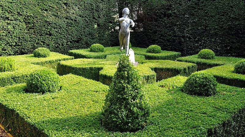 How to make a labyrinth garden